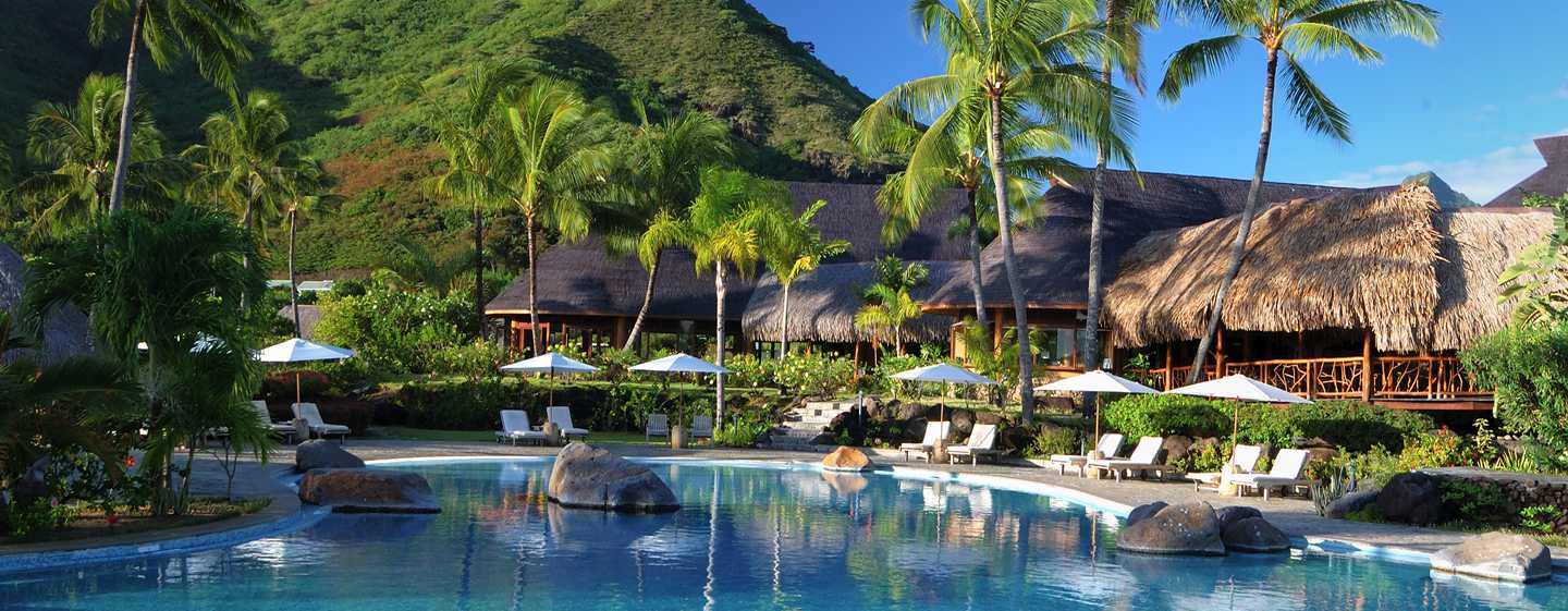 H tels papetoai hilton moorea lagoon resort spa for Garden pool bungalow intercontinental moorea