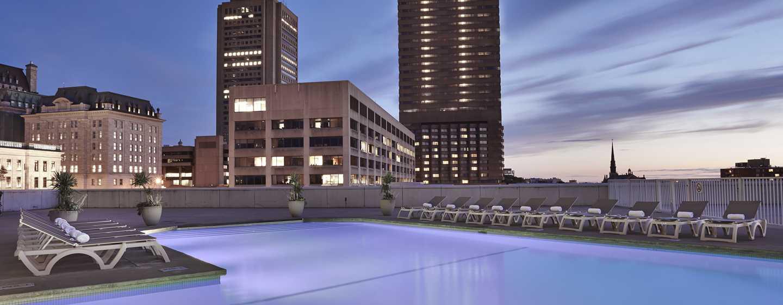 H tel hilton qu bec centre ville de qu bec for Club piscine canada