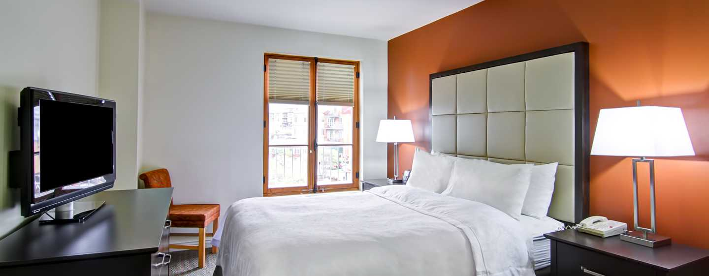 Hôtel Homewood Suites by Hilton Mont-Tremblant Resort - Grand lit