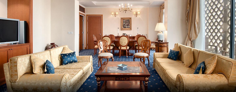 Hôtel Hilton Alger, Algérie - Suite de luxe avec très grand lit