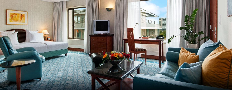 Hôtel Hilton Basel Hotel, Suisse - Chambre d'une suite présidentielle avec très grand lit