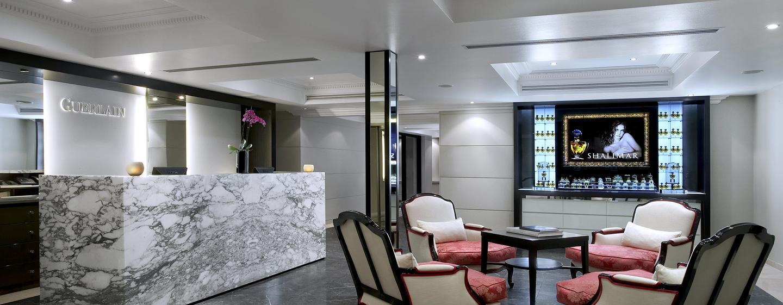 Hôtel Trianon Palace Versailles, Waldorf Astoria, France - Réception du Spa Guerlain