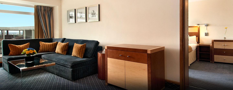 Hôtel Hilton London Metropole, Londres - Suite appartement avec très grand lit