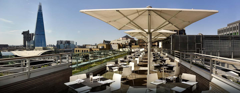 Hôtel DoubleTree by Hilton Tower of London, Londres - Terrasse du bar Skylounge avec vue