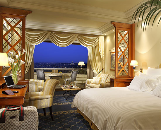 chambres et suites de luxe h tel waldorf astoria rome cavalieri. Black Bedroom Furniture Sets. Home Design Ideas