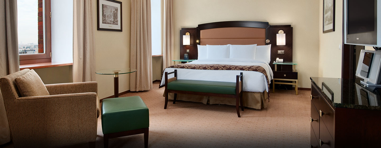 Hôtel Hilton Moscow Leningradskaya, Russie - Suite junior avec très grand lit