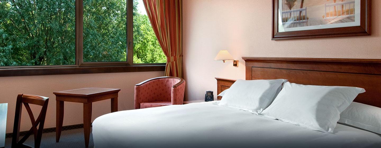 Hôtel Hilton Strasbourg, France - Chambre avec très grand lit