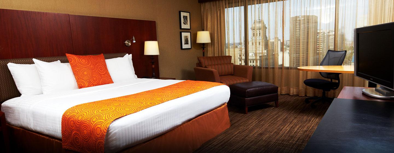Hôtel Hilton Toronto, Canada - Chambre de luxe avec très grand lit