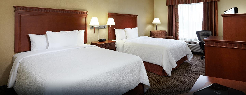 Hôtel Hampton Inn & Suites by Hilton Montreal-Dorval, QC, Canada - Chambre avec deux grands lits