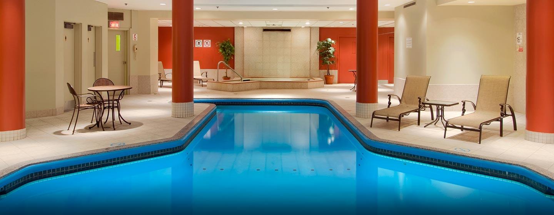 H tels laval hilton montreal laval for Club piscine laval autoroute 15