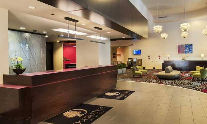 DoubleTree by Hilton Hotel Chicago - Magnificent Mile, USA - Hotel lobby