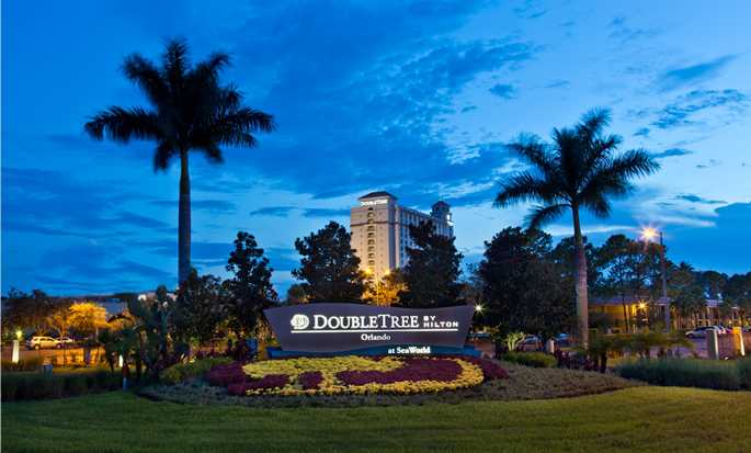 DoubleTree by Hilton Hotel Orlando at SeaWorld, Flórida - Exterior do hotel