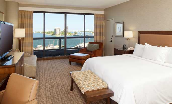 DoubleTree by Hilton Grand Hotel Biscayne Bay hotel, Miami - King Guestroom