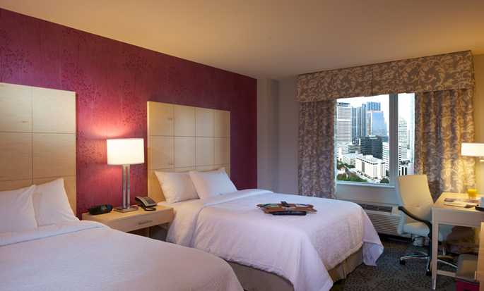 Hotel Hampton Inn & Suites Miami/Brickell-Downtown, Flórida – Quarto Double Queen