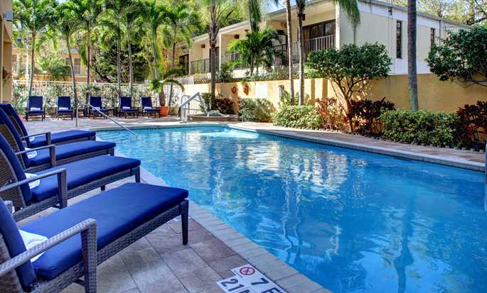 Hampton Inn Miami-Coconut Grove/Coral Gables hotel, Coconut Grove, Florida, EUA - Piscina