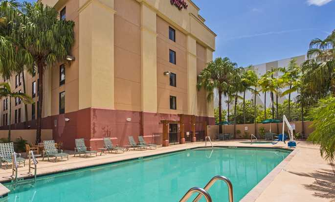 Hampton Inn Miami Dadeland Hotel - Outdoor Pool