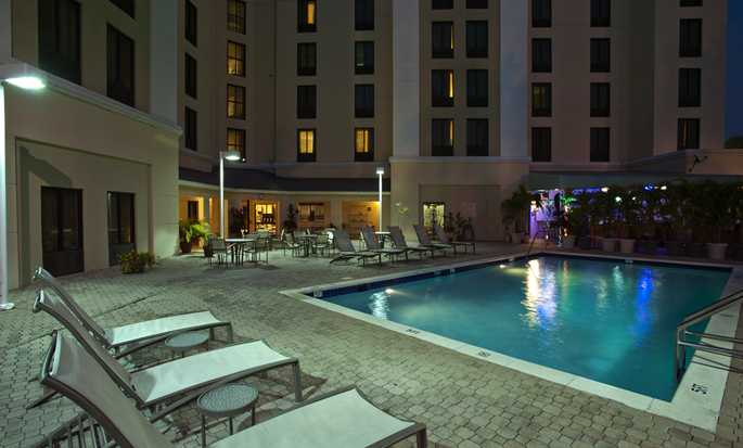 Hampton Inn & Suites Miami-Doral/Dolphin Mall Hotel, FL - Outdoor Pool