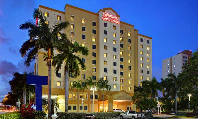 Hampton Inn & Suites Miami-Airport South-Blue Lagoon Hotel, FL - Hotel Exterior