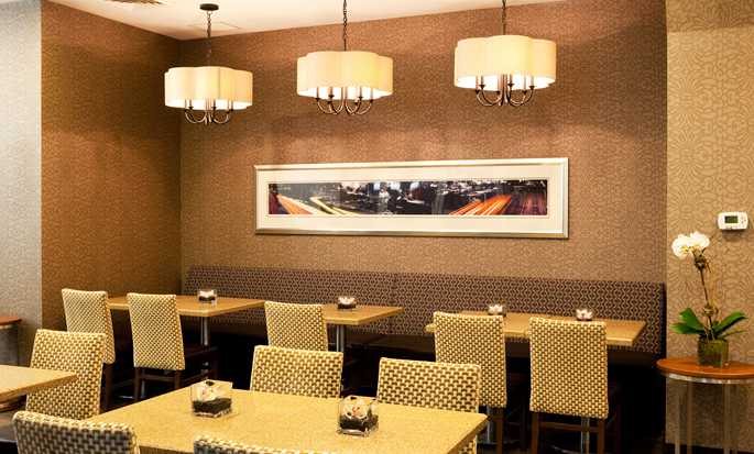 Hampton Inn Manhattan-35th St/Empire State Bldg, USA - Indoor seating