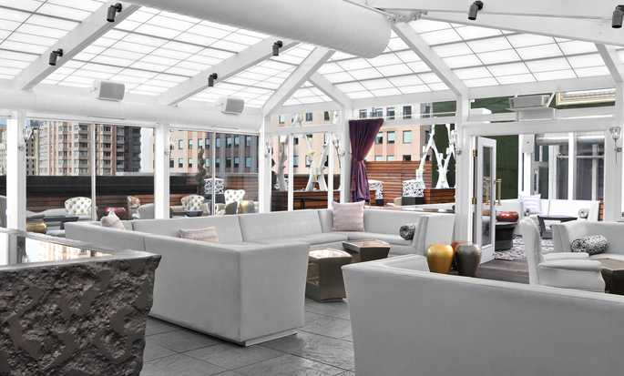 Hilton Garden Inn Times Square hotel - Roof top Lounge - Interior