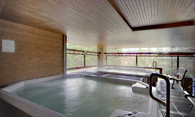 Valdoro Mountain Lodge by Hilton Grand Vacations Suites hotel - Large hot tub