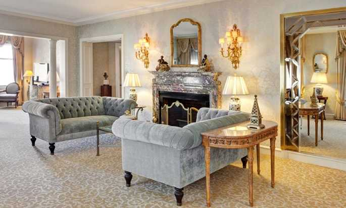 The Drake Hotel, Chicago, USA - Princess Diana Living room