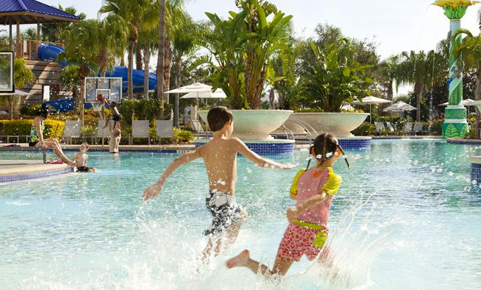 Hilton Orlando - Kids playing in the pool