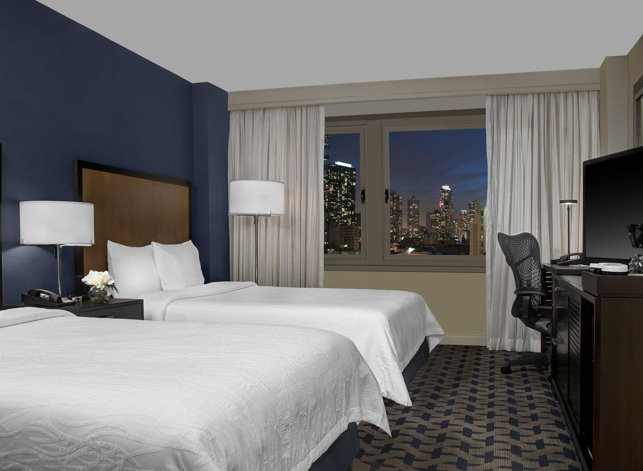 Hilton garden inn times square vid 8th avenue for Garden rooms york